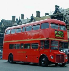 Lontoon kaksikerroksinen bussi